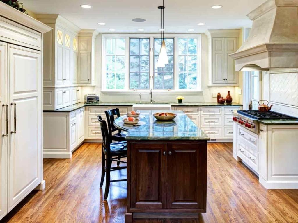 Големи кухненски прозорци