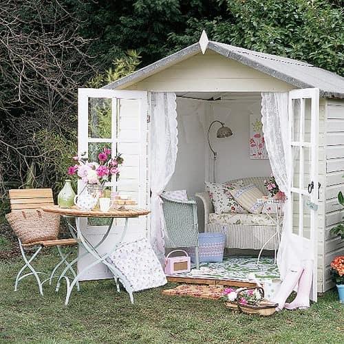 лятна къща в градината