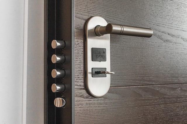 какво трябва да знаем за блиндираните врати